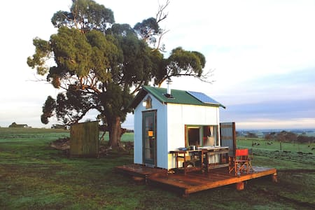 Secluded Tiny House on a beautiful sheep farm - Warncoort - Lain-lain