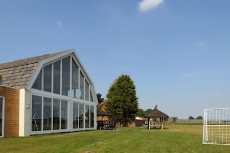 35 persoons luxe Groepsverblijf - Veulen - Casa de campo