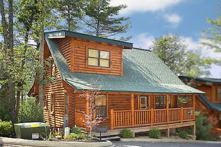 Big Bear Lodge - Sevierville - Cottage