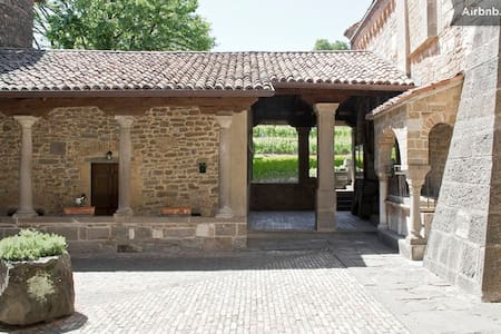 Historical House Medieval Abbey - Pratolongo