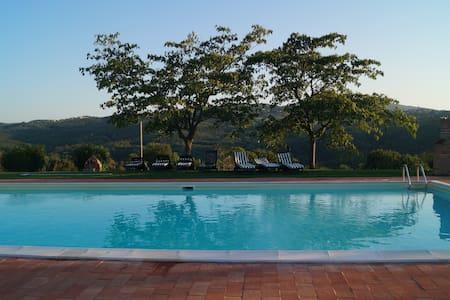 Villa with swimming pool in Todi - Asproli - Villa