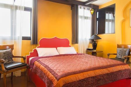Charming Casablanca, Cosy retreat - Bangkok - Bed & Breakfast