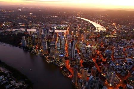 Best of Brisbane Downstairs Studio - Dom