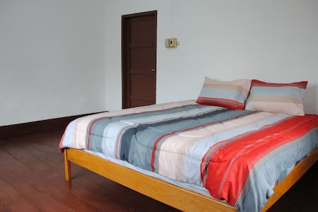 Best location, price, reviews QUEEN - Vientiane - Townhouse