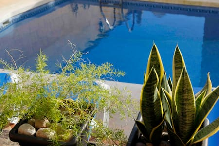 Gozo Farmhouse, Sleeps 9, Pool & AC - Haus