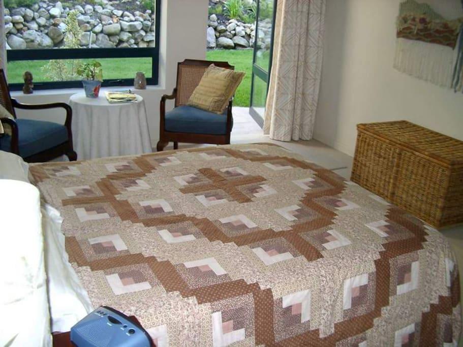 Double bedroom with en suite bathroom