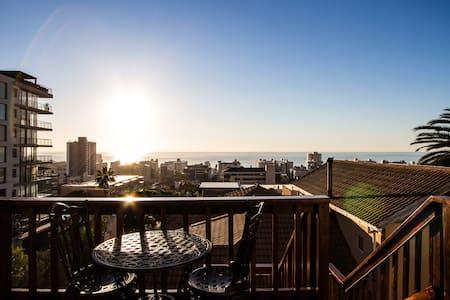 AMAZING VIEW Studio Upper Sea Point - Cape Town - Apartment
