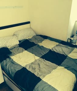 Double room in Sheung Wan