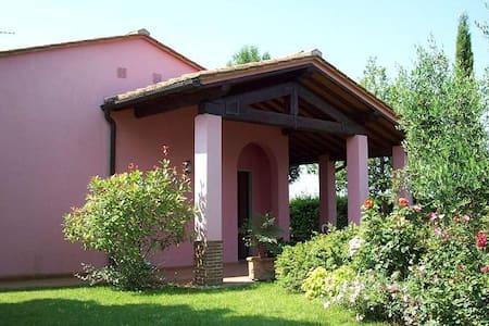 Beautiful countryhouse in Chianti - montespertoli - Hus