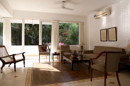 Sunny, airy apartment near Candolim - Apartemen