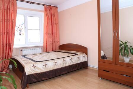 3 комнатная просторная квартира в удобном месте - Астрахань