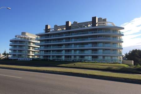 Apartamento frente al mar mansa2 - Lakás