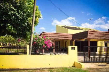 D'Bunga Raya Homestay, Jitra, Kedah - Bungalow