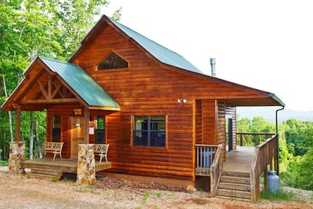 Bear Cub Cabin - 6+ ac Outstanding Views!   (WIFI) - Kisház