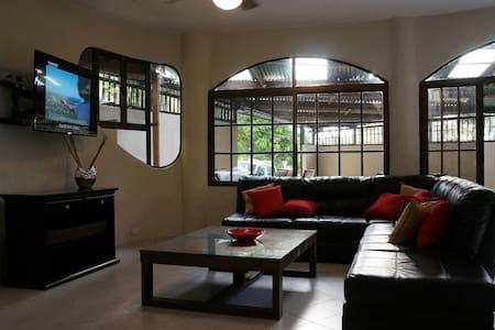 6 BR Casa Miro Bajo -Great Location