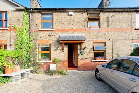 Charming 4 bed terraced house