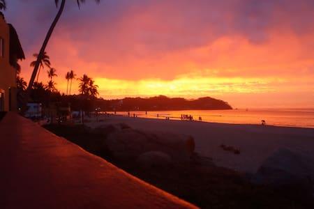 Casa Lucas #2 - beachfront/pool - Sayulita - Casa