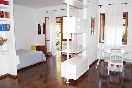 Charming B&B facing Villa Pamphili - Rom