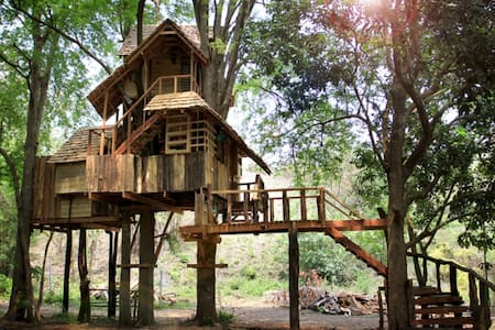 Moon Cottage treehouse - Luang Nuea