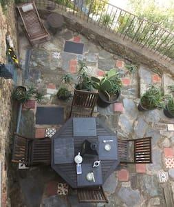 Maison au coeur du village terrasse - Huis