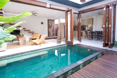 On sale, three bedroom villa - North Kuta - Villa