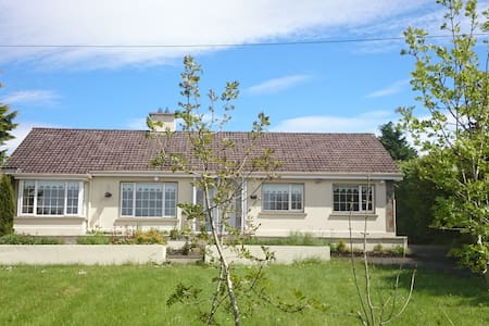 Room/Entire House North Cork - Newmarket - Bungalow