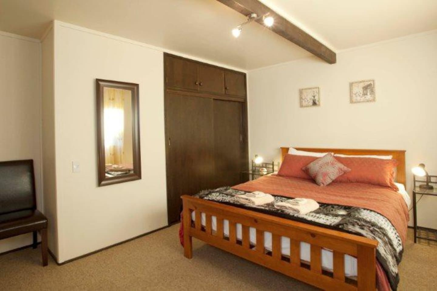 The Luna room, with a kingsize bed and private bathroom, ideal for moonlighting travellers!