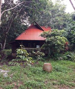 Jungle Hut in Beautiful Kraburi - Kraburi