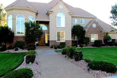 Sleep up to 24 in Pure Luxury at Snow Canyon Manor - St. George - Hus