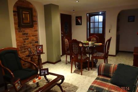 Habitaciones en apartamento - Társasház