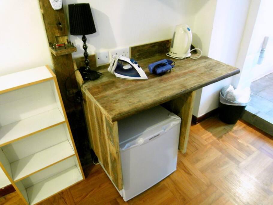 S-QRC323-Special Wooden Studio