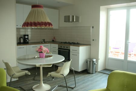 Sunny apartment and private terrace - Byt
