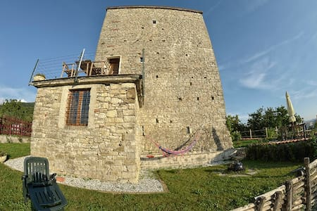 Tuscany medieval hometower