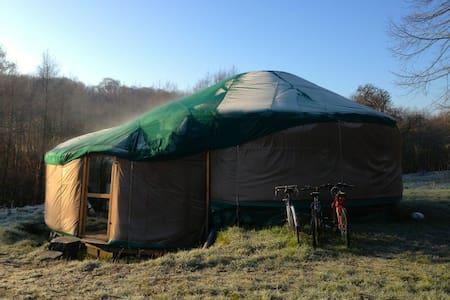 Yourte cosy duplex près de la mer - Yurt