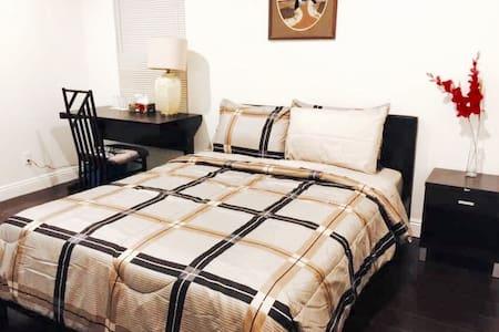 Beautiful RoomA2 in Downtown Arcadia 亚凯迪亚市中心精致独立房间 - Condominium