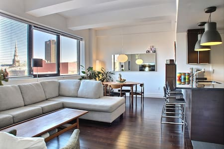 Modern 1BR apt Downtown Village - Daire