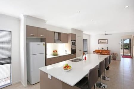 Close to beaches & National Park! - House