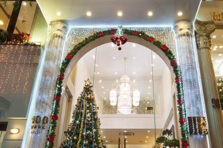 Luxury Room at Silk Queen Hotel