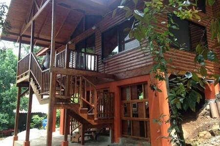 Cabaña nueva en Ecovilla - San Mateo - Cabin