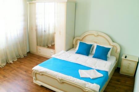 Отличная двухкомнатная квартира - Appartement