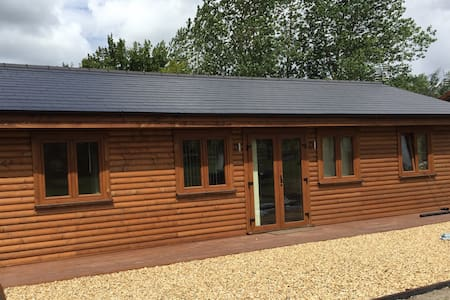 Luxury Log Cabins in the heart of the Midlands - Cabana