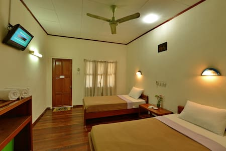 Cozy Room with Seperate Verandah - Bed & Breakfast