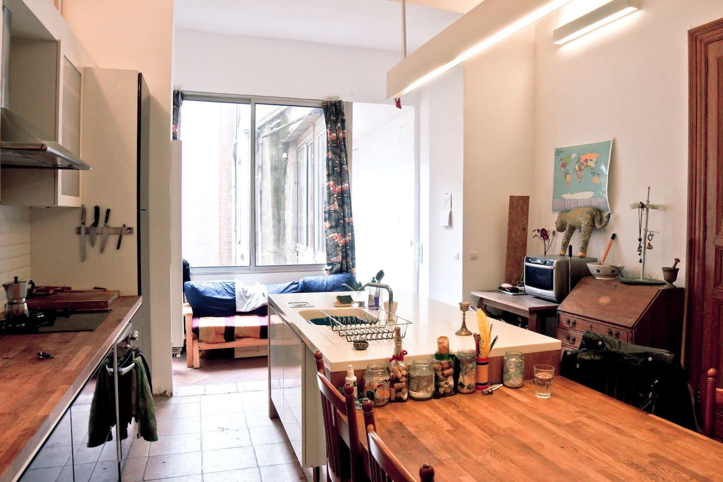 Modern Charm in Toulouse Center