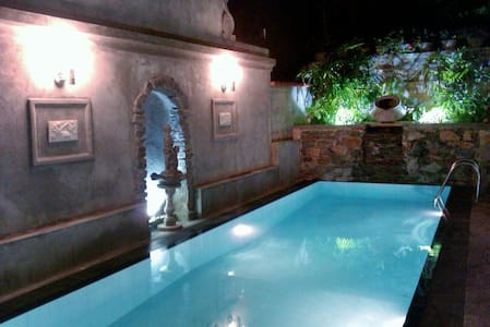 Boutique Villa with a Pool - Huvila