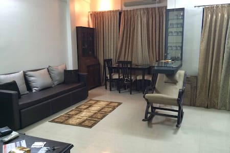 1 BHK fully furnished apt Bandra- W - Lakás