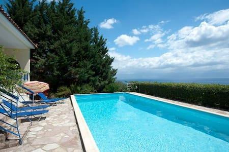 Villa Katerina, Sea Views and Pool - Kalamaki - Villa