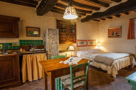 B&B Le Due Volpi, Brionvega Studio - Bed & Breakfast
