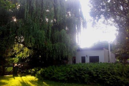 Ferienhaus in großem Garten bei See - Wusterhausen/Dosse - Bungalow