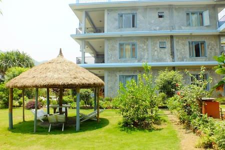 Hotel Greenland, Pokhara Lakeside - Bed & Breakfast