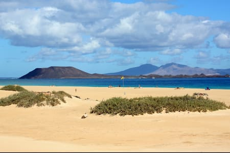 Nice Apartment In A Village - Corralejo - House